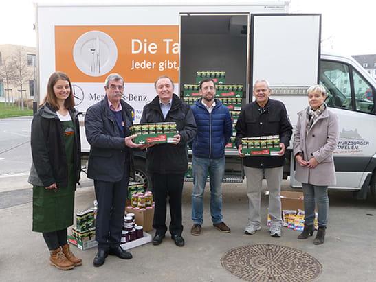 Soziale Projekte - Spende an Würzburger Tafel 2015