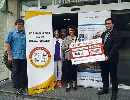 Soziale Projekte - Spendenübergabe KIWI e.V.